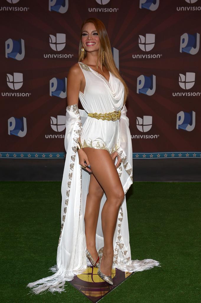 Zuleyka-Rivera--Premios-Juventud-Awards-2014--08.jpg