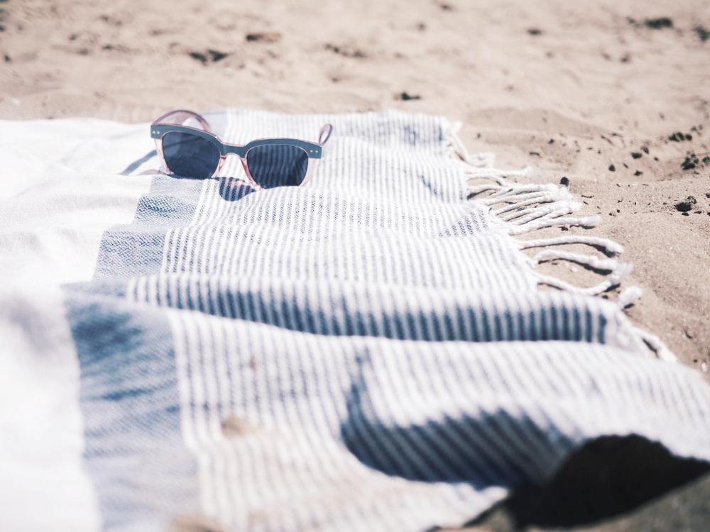 sunnies-towel.jpg