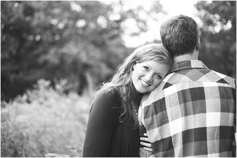 Stillwater Minnesota Fall Field Engagement Elizabeth & Andrew_0008.jpg