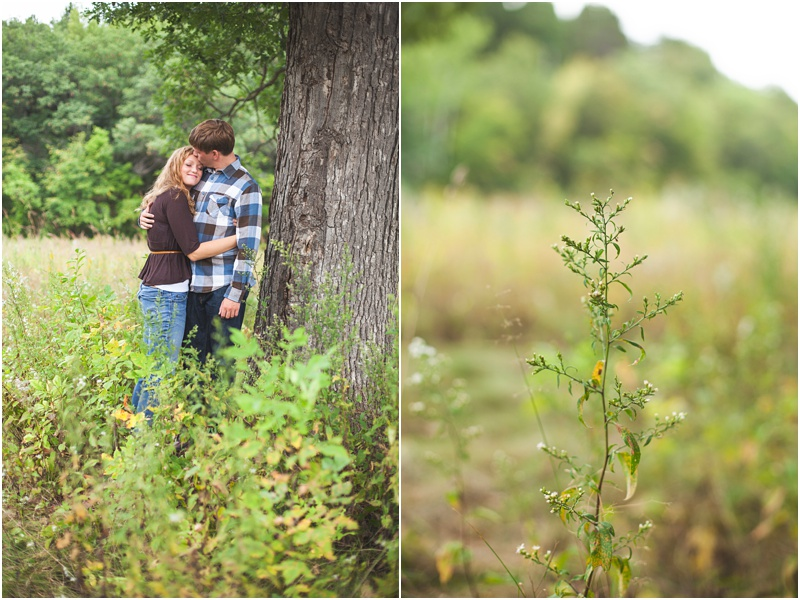 Stillwater Minnesota Fall Field Engagement Elizabeth & Andrew_0020.jpg