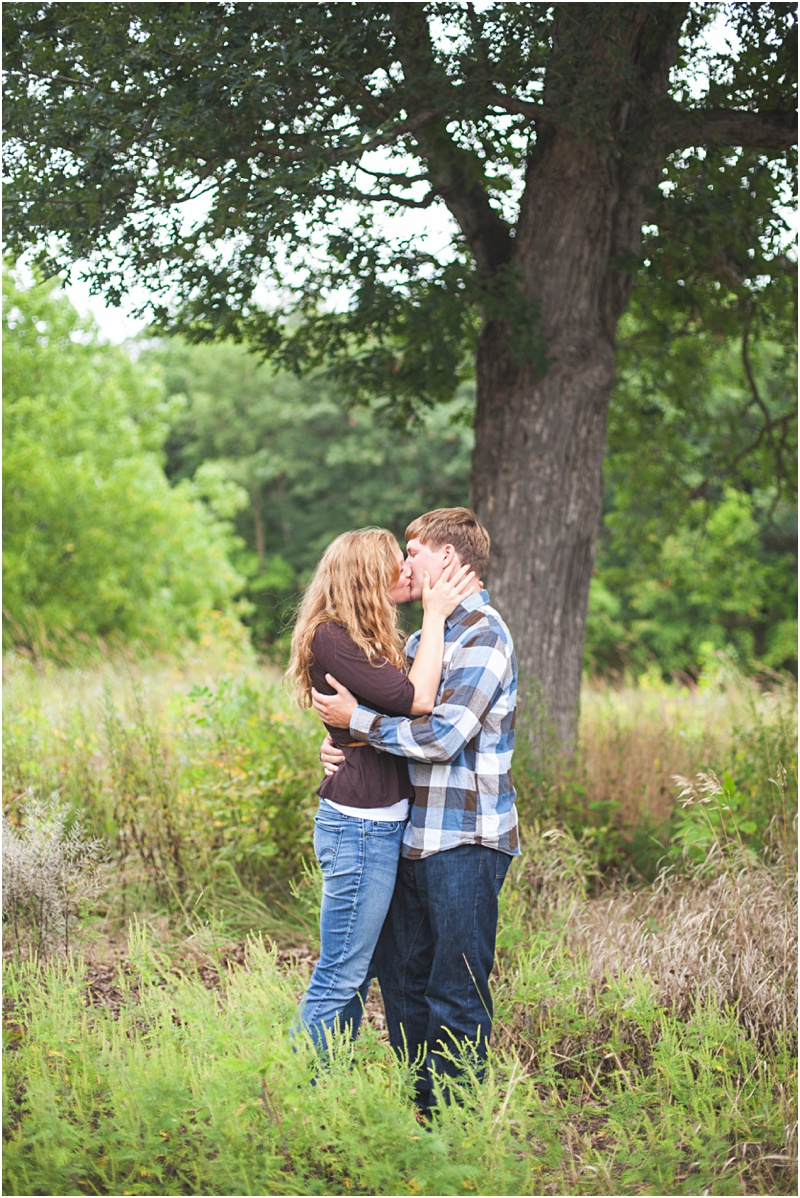 Stillwater Minnesota Fall Field Engagement Elizabeth & Andrew_0019.jpg