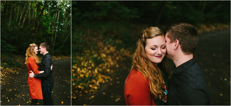 Anniversary_Burien_Fall_Couple_EmilyLouisePhotography_0004.jpg
