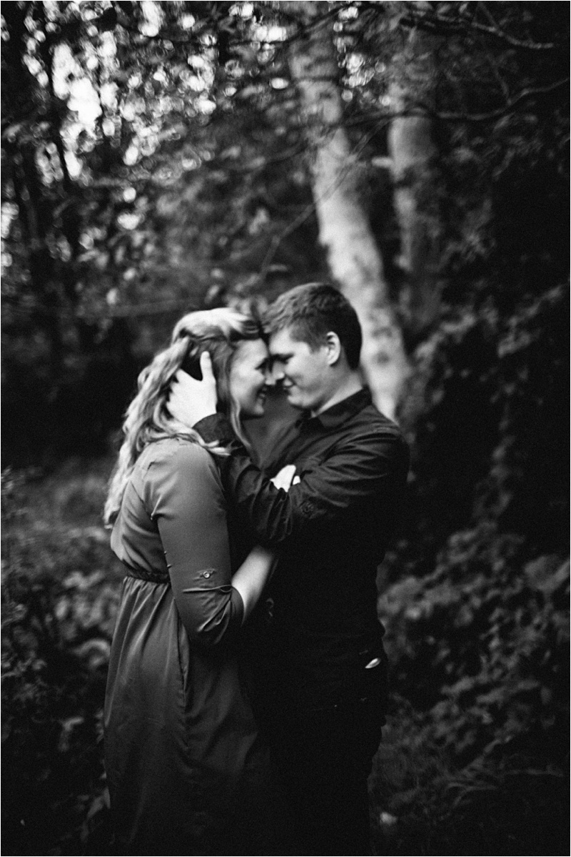 Anniversary_Burien_Fall_Couple_EmilyLouisePhotography_0020.jpg