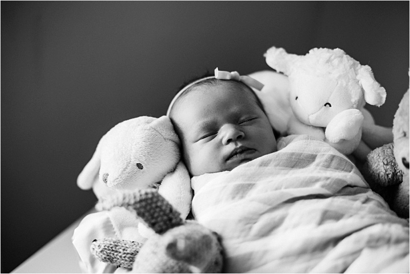 Newborn_Home_Lifestyle_BabyGirl_EmilyLouisePhotography_0014.jpg