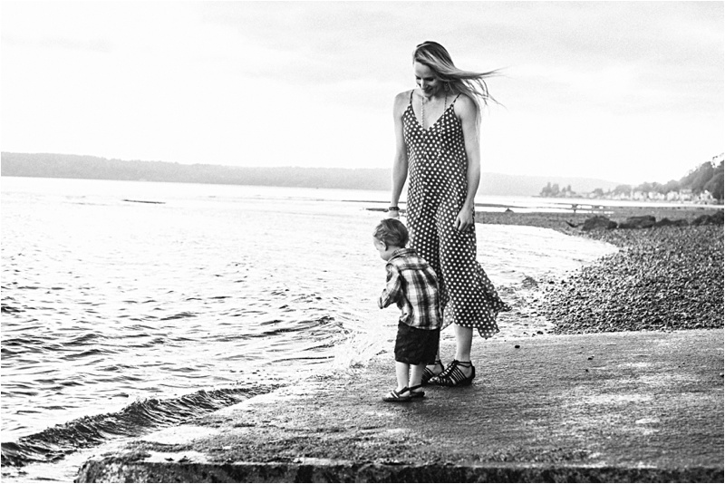ELP_Seattle_Beach_Maternity_Session_0001.jpg