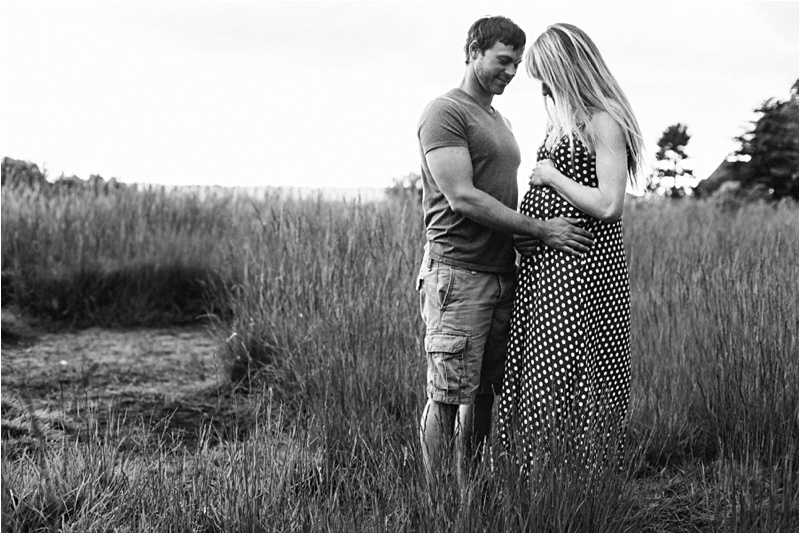 ELP_Seattle_Beach_Maternity_Session_0004.jpg
