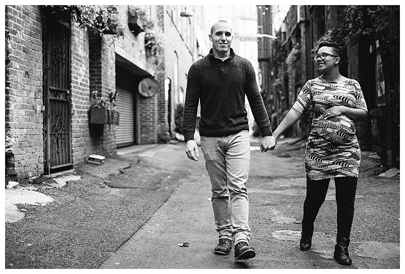 2017MaternitySession-Seattle-Downtown-EmilyLouisePhotography_0034.jpg