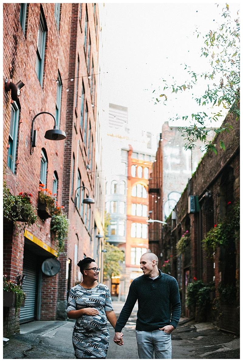 2017MaternitySession-Seattle-Downtown-EmilyLouisePhotography_0040.jpg