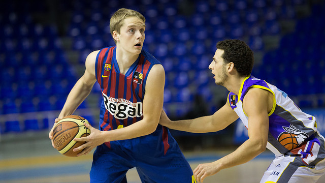 Ludde doing work with the FC Barcelona.