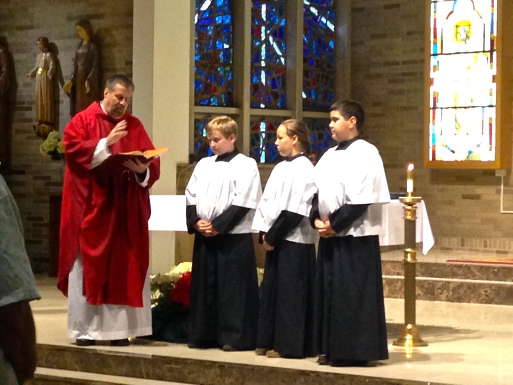 To become an altar server, please contact  Fr. Schmitz .