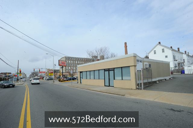 572 Bedford St Fall River MA Building For Sale REMAX Right Choice David M Ferreira 508realestate7.jpg