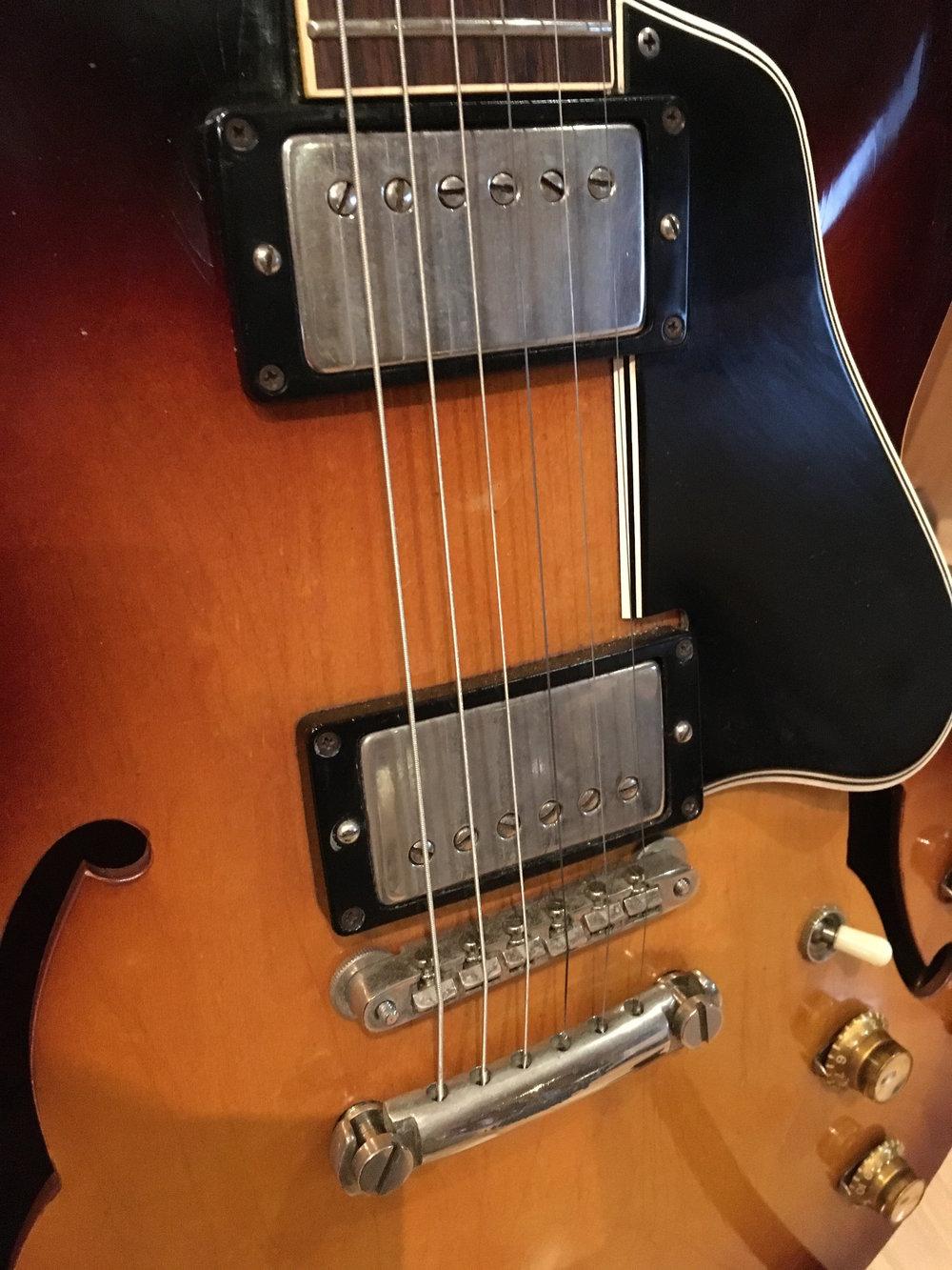 Gibson 335 (7).jpg