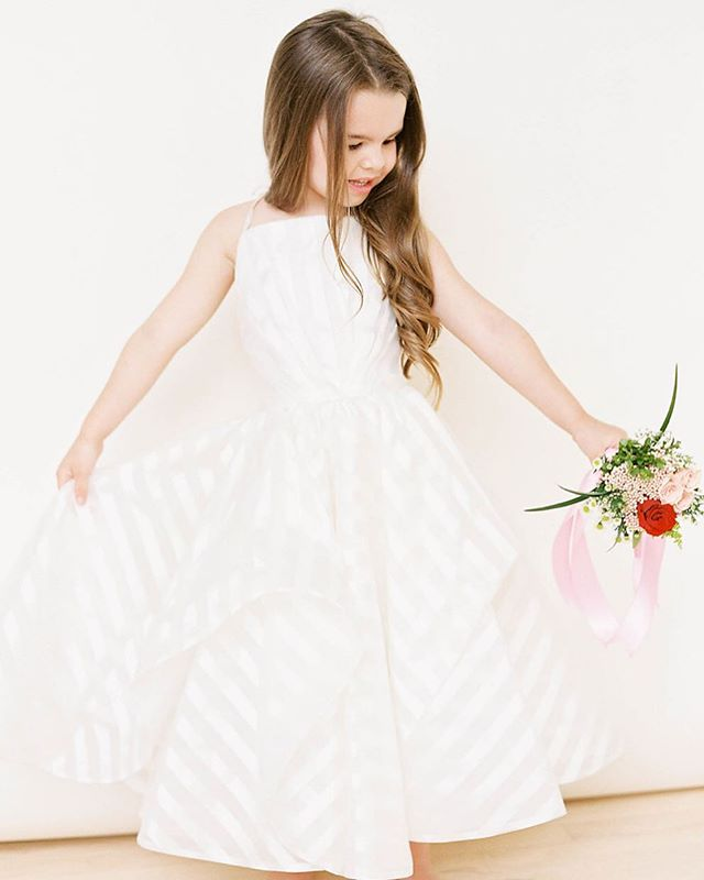 SHE'S HERE! @lapetitehayleypaige is bridal's cutest new flower girl line and she's available at @shopgildedsocial 🦄🌸💕🌸🦄 Six styles to choose from, all designed to look just like @misshayleypaige's big girl wedding gowns!!! I mean just adorable. These take 9-13 weeks to come in, so if you're as 😍 as we are and your 🍁❄️ wedding is coming soon ~ don't waste a minute getting over to our shop!! Appointment #linkinbio Photo: @jennapowersphoto Hair: @monroesbeautyspa Makeup: @e.eigensee Model: my fabulous niece, Harper @mandihartman . . . . . . #614bride #columbusohio #ohiobride #columbusbride #cbusweddings #columbusweddings #bridetribe #misstomrs #pursuepretty #shoplocal #futuremrs #engaged #isaidyes #columbusalive #expcols #gildedtribe #asseenincolumbus #flowergirl #littlegirldress #flowergirldress #flowergirldresses #hayleypaige #socute #lapetitehayleypaige #ivybride #hayleypaigebride #ljmbride #girlsjustwannahavefun #tsgcolumbus