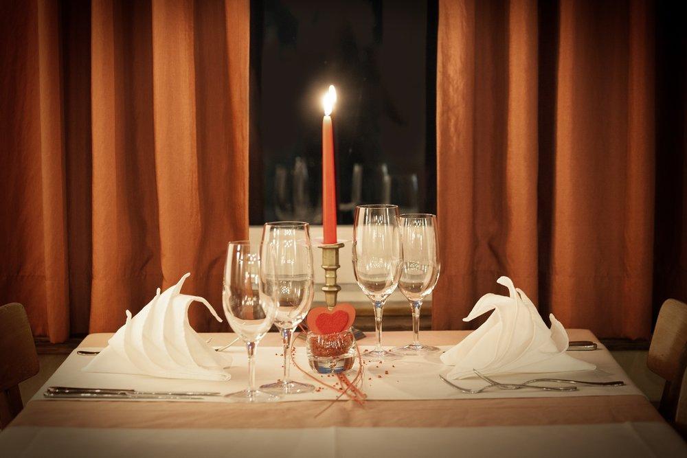 table-decoration-1449232_1920.jpg