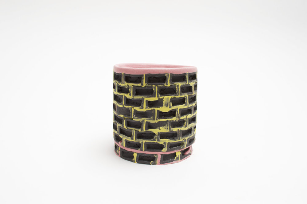 Mini-Brickware Cup (Black-Yellow-Pink)