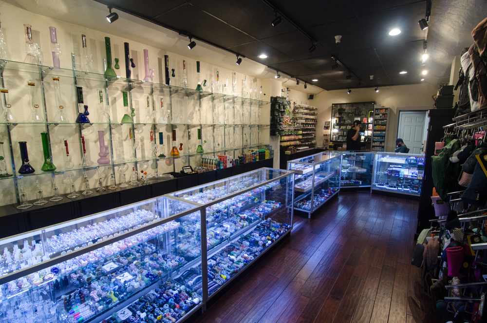 Vapor Smoke Shop-75.jpg