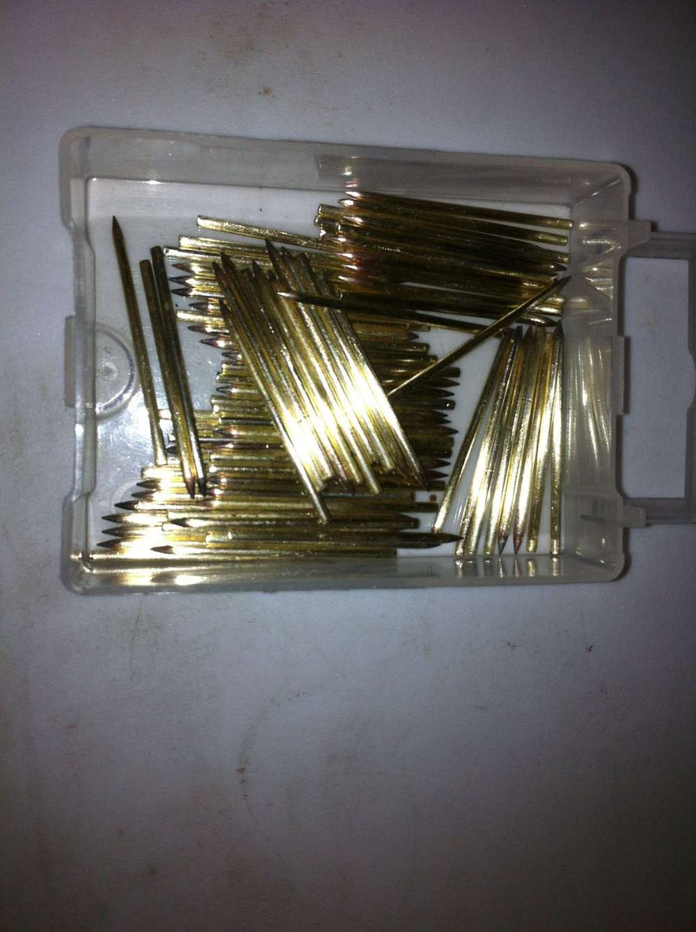 Shiny pallet valve guide pins