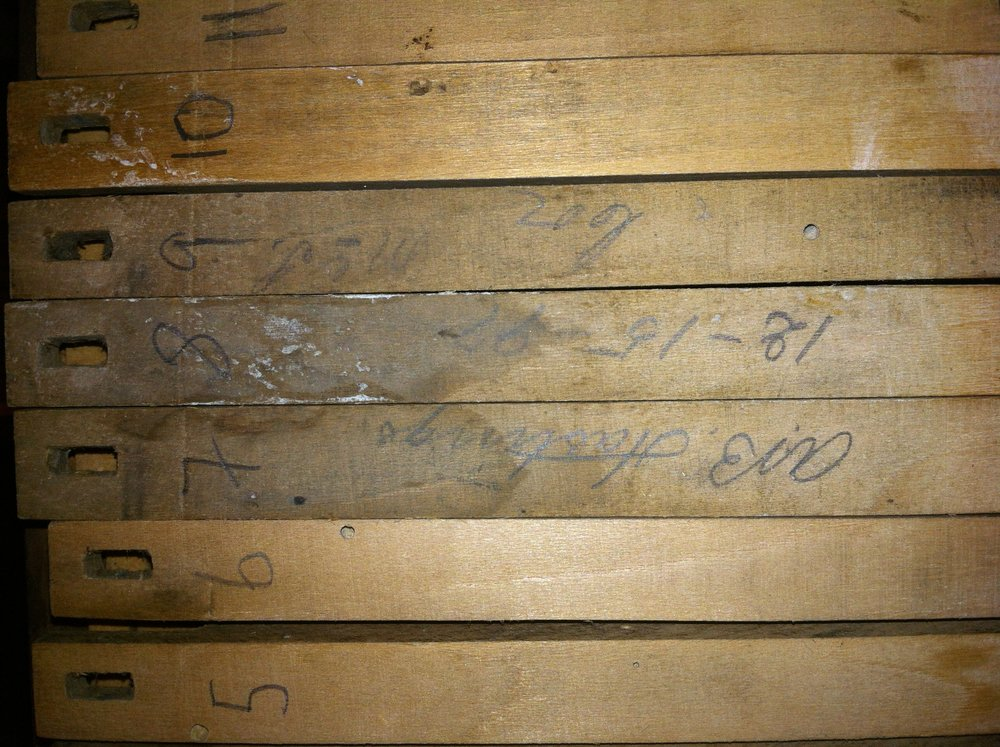 A signature on the keys indicates the name of the person who tuned the organ before it left the factory. It also dates the organ to 1897. It reads AB Hastings 12-15-97