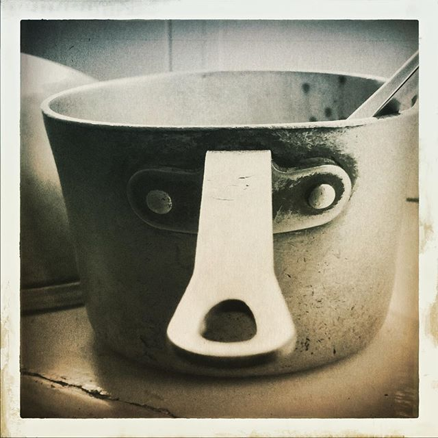 Pot portrait! Instrumentos con vida. Likeit :-) • • • • • #face #eyes #portraits #kitchen  #stoned #cooking #casavirginia