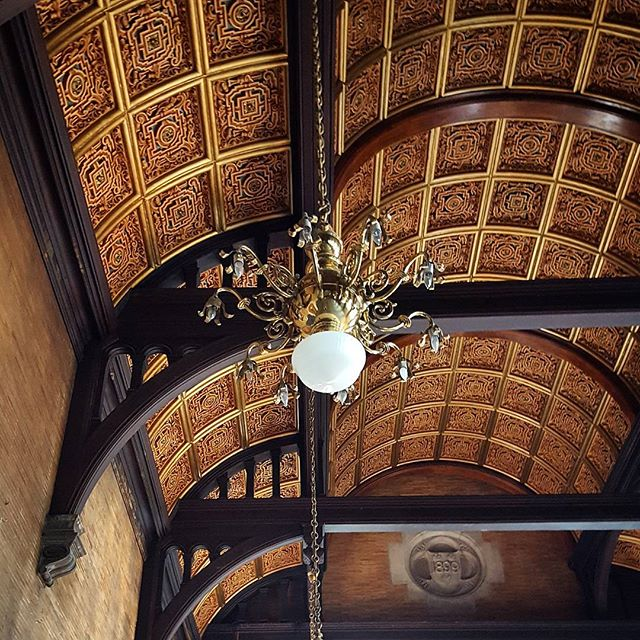 The gilded ceiling in the Rectory Room, Highline Hotel #nycinteriors #nyclandmark #historicroom #interior #gilded #victorian #woodcarving #highlinehotel