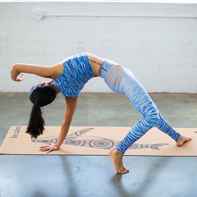 Mix and match your favorite styles with our all new cork mats.  Awesome natural feel and they go great with all of our beautiful printed yoga pants.  Just in time for this holiday season. @ellinayoga seen here practicing on Be Calm designed by @cyogalab #yogapants #livesankalpa #yoga #yogalove #yogi #stopdropyoga #yogaeverywhere #yogaeverydamnday #instayoga #igyogi #igyoga #asana #meditation #stopdropyoga #practiceandalliscoming