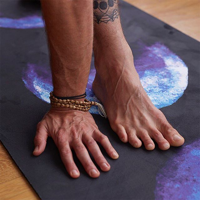 Happy Cyber Monday! $35 OFF ORDERS OVER $100 + FREE SHIPPING ON ALL DOMESTIC ORDERS! Give the gift of art and yoga this year with a beautiful new Sankalpa yoga mat or yoga pants. #cybermonday #cybermondaysales #holidaysales #livesankalpa #yoga #yogalove #yogi #stopdropyoga #yogaeverywhere #yogaeverydamnday #instayoga #igyogi #igyoga #asana #meditation #stopdropyoga #practiceandalliscoming