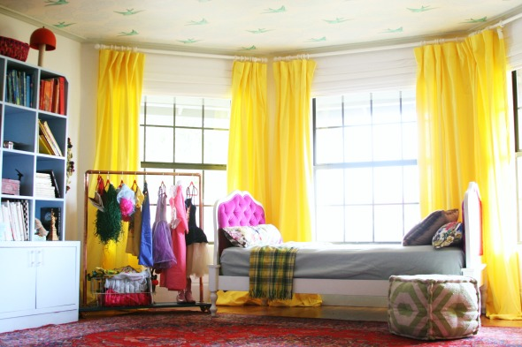 The ultimate girly-chic playroom (via Little Green Notebook)