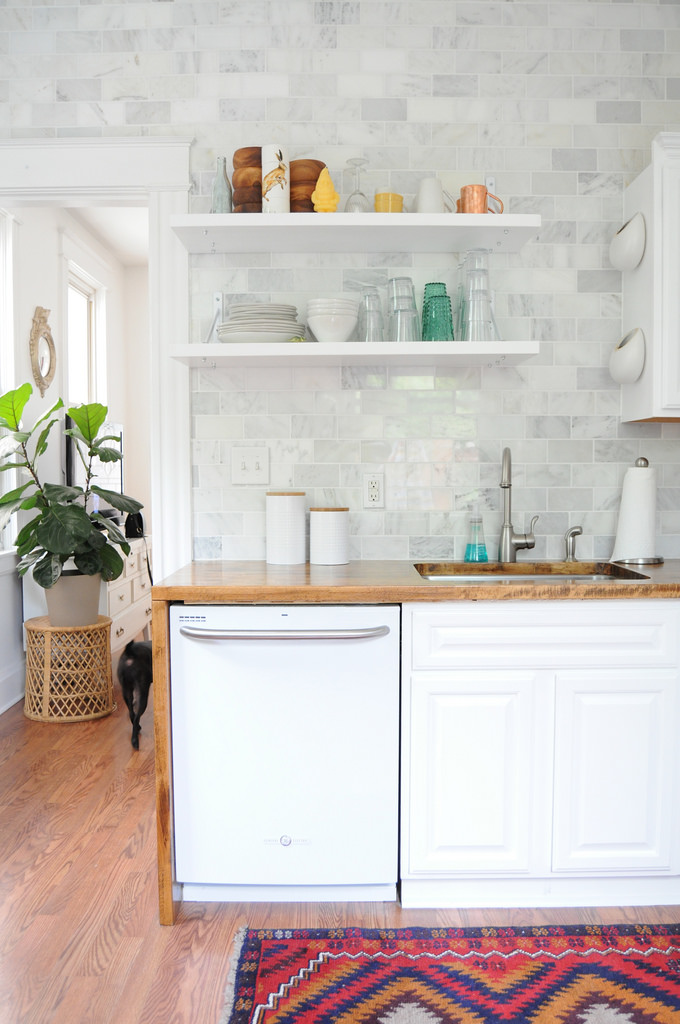 This great, white DIY kitchen (via Go Haus Go)
