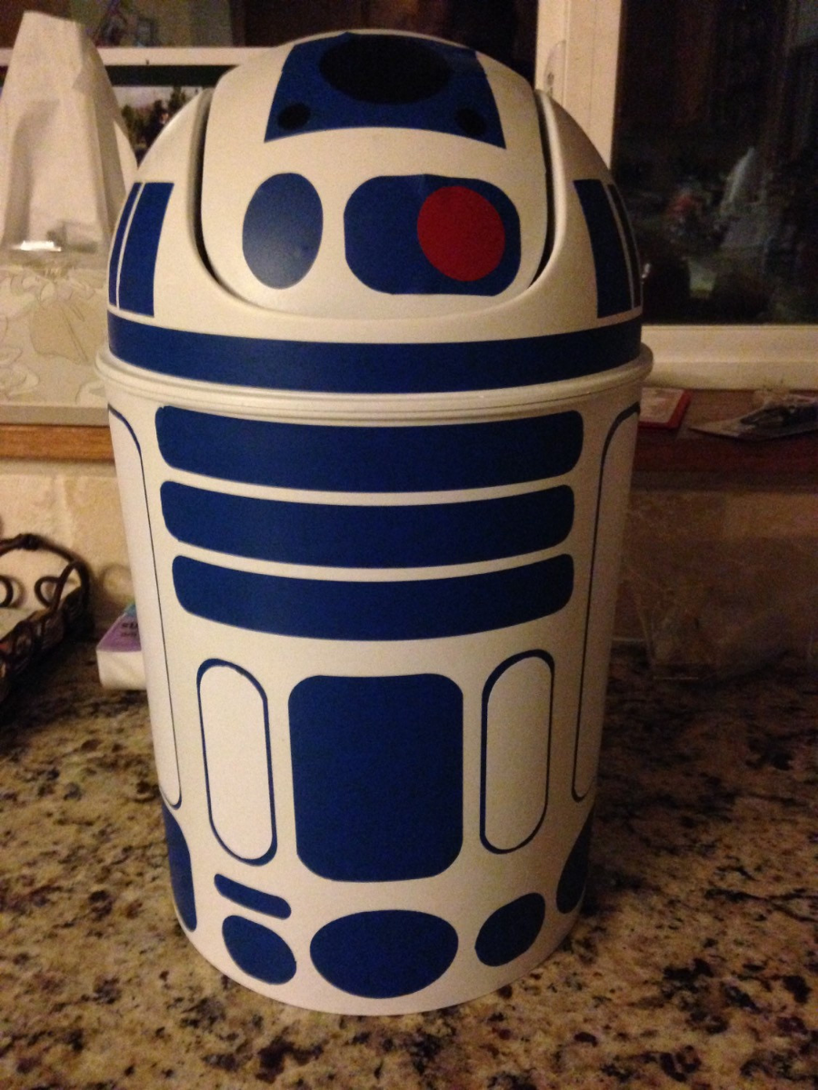 https://www.etsy.com/listing/267344618/r2d2-trash-can-look-in-my-shop-to-see?ref=related-0