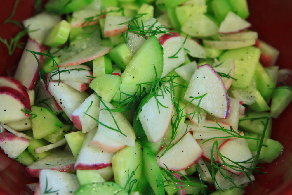 This salad took so little time to make: Dice some radishes and cucumbers, add some dill, salt, pepper, a tad of olive oil and some apple cider vinegar. Enjoy!