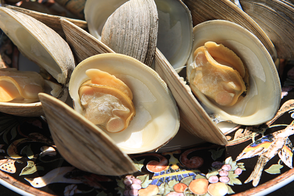 Clams are nice and meaty and super simple to make.