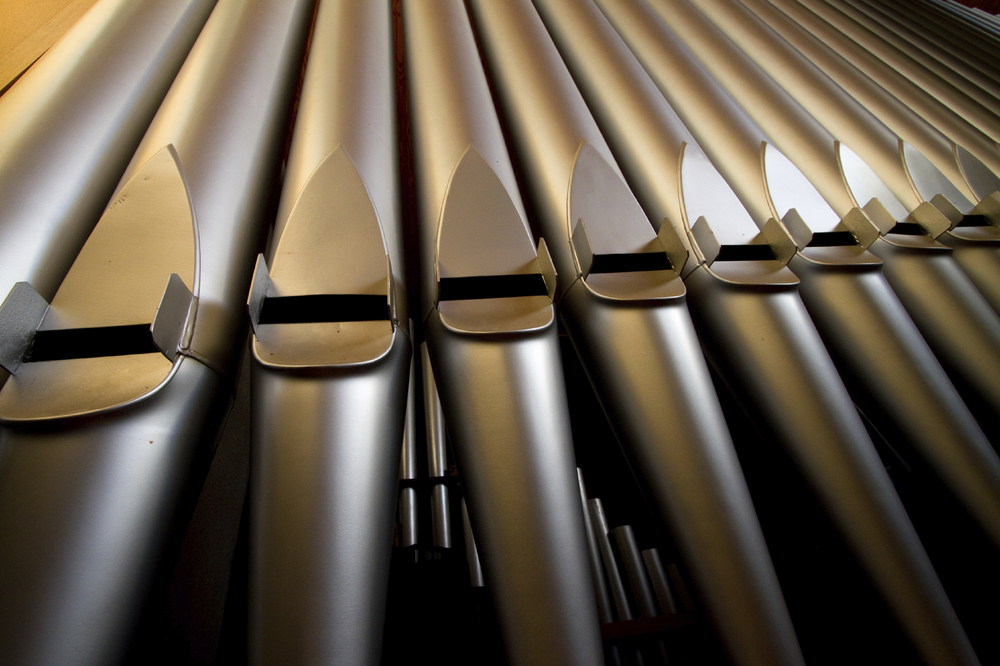 iStock_000013619841_Medium pipe organ.jpg