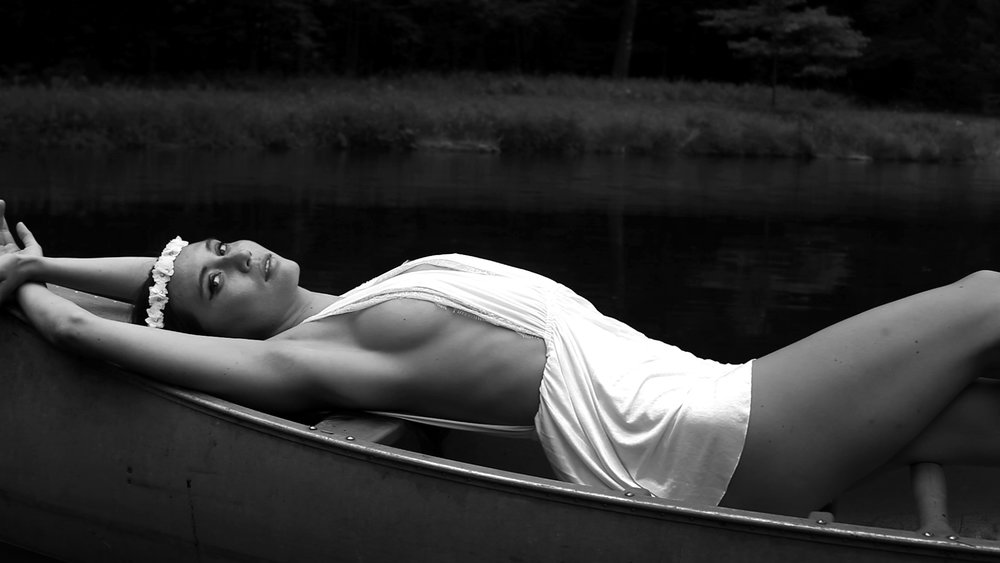kimbraboat.jpg