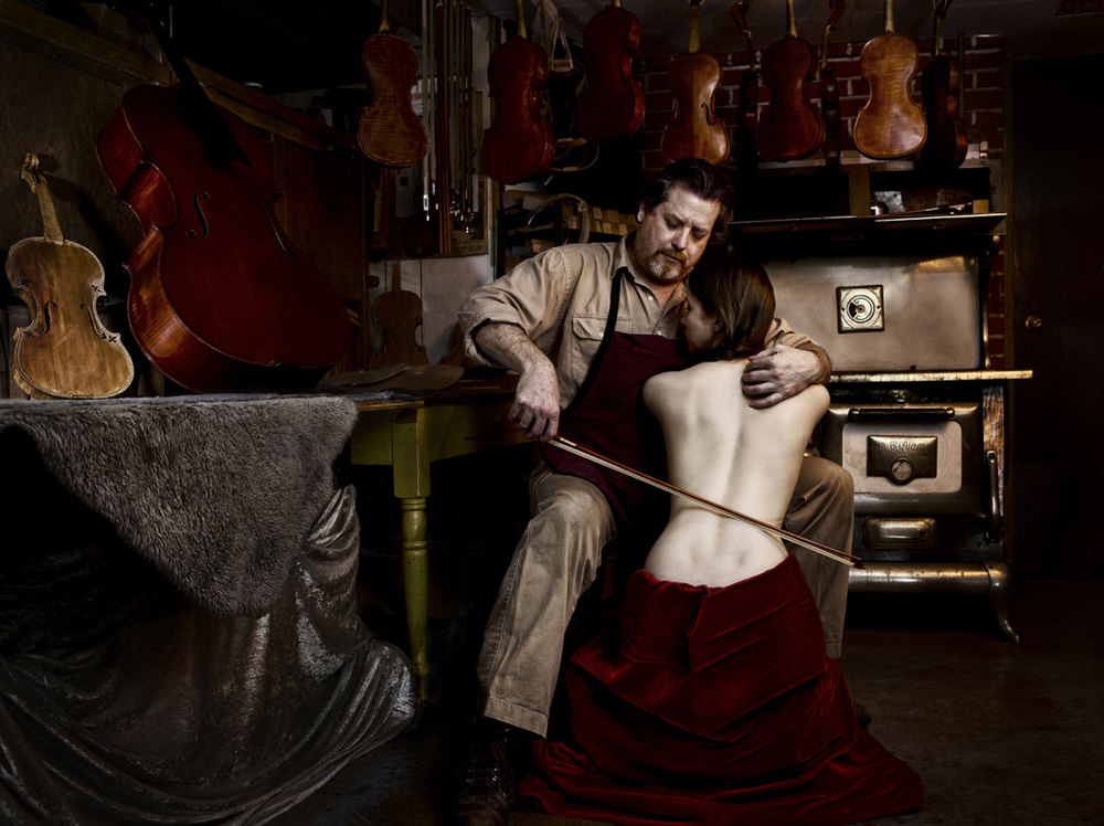"""Violin Luthier"""