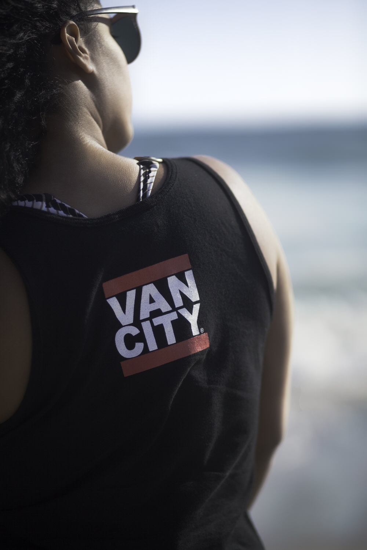 Ehsan-Mahdizadeh-Jihan-Curvy-Girl-Editorial-Portrait-lifestyle-photography-vancouver-beach-la-los-agles-3.jpg