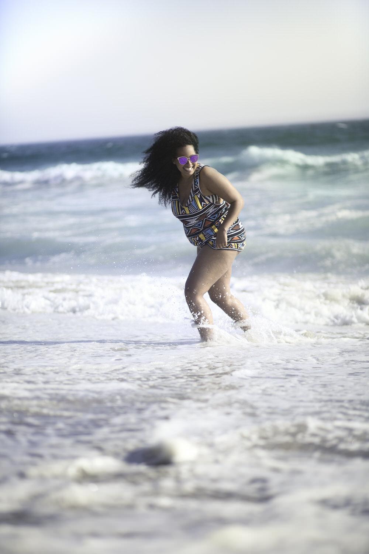 Ehsan-Mahdizadeh-Jihan-Curvy-Girl-Editorial-Portrait-lifestyle-photography-vancouver-beach-la-los-agles-4.jpg