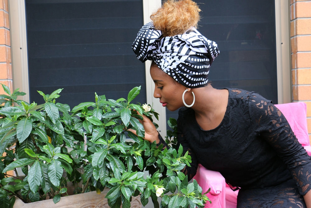 We styled headwrap GUGU so that Yeni's striking curly locks was visible.