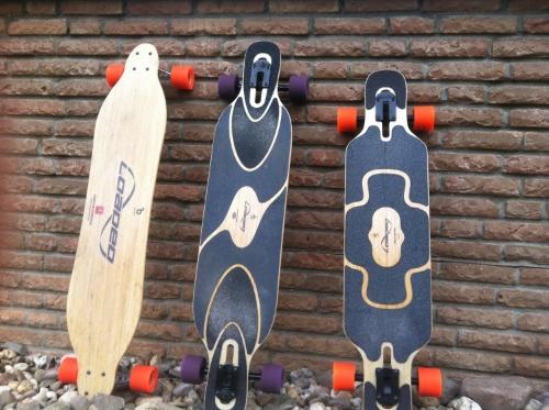 Drei Longboards