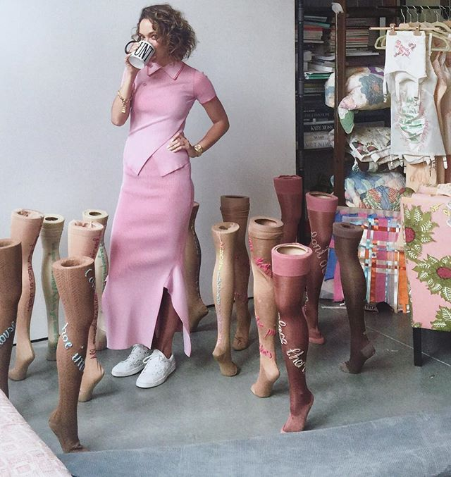 Happy Birthday to our gal @zoebuckman who keeps us thinking, dreaming and laughing on the daily! We love you! #cunexttuesday #ZoeBuckman ☕️💕