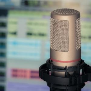 microphone-3381837_1280.jpg