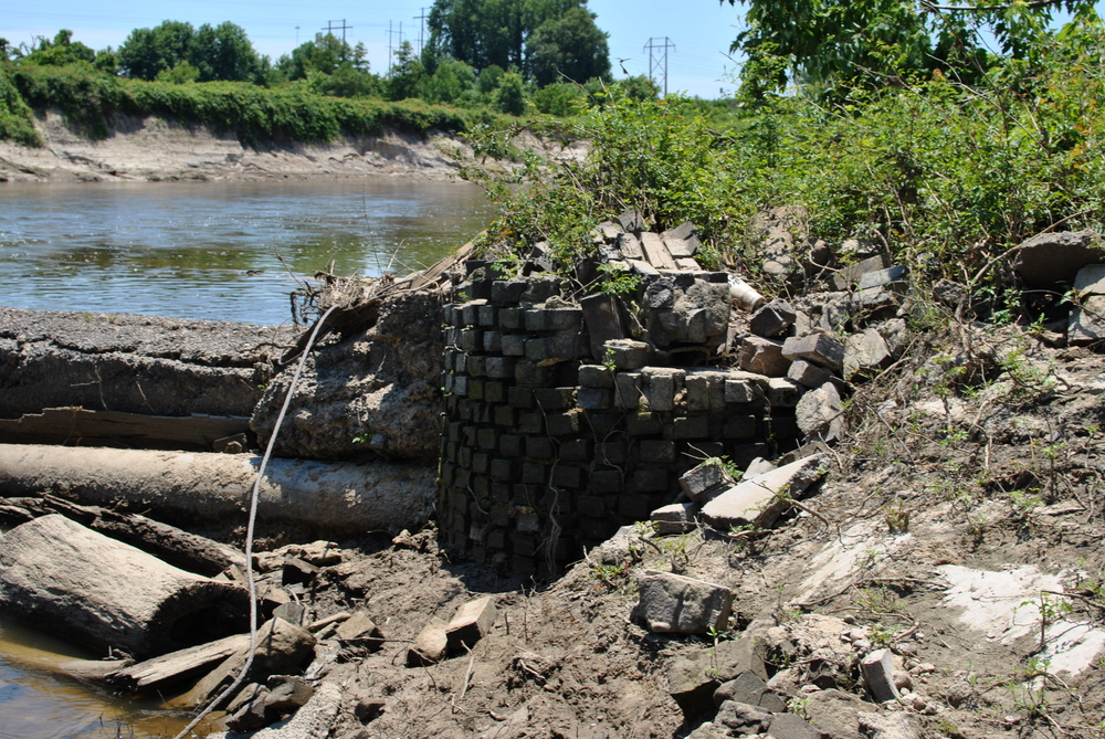 "Behold, where the tires ""come from,"" according to our tire harvesting yokel. Delusional river people are a better source of information than, say, the Clarion Ledger."