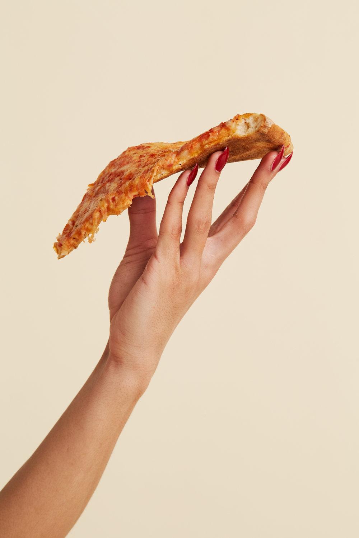 Pizza_Pizza-Hand_727.jpg