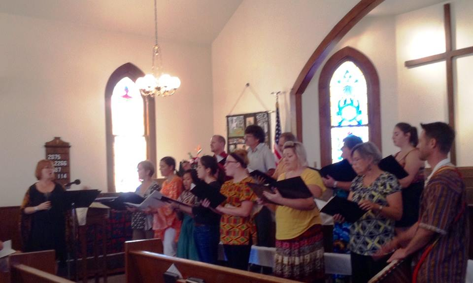 Chancel Choir   The Adult Choir includes singers 14 and above. They sing weekly in Sunday worship and annually present a Summer Pops fundraising concert, Easter Cantata and Christmas Cantata. Rehearsals are held in the sanctuary  Thursdays at 6:30 PM.