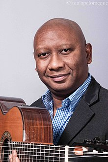 220px-Ron_Jackson_headshot_with_guitar.jpg