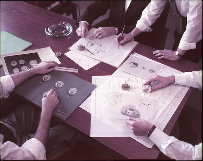 Diseñando para Honeywell, sin chaqueta pero con corbata. Y remangados.