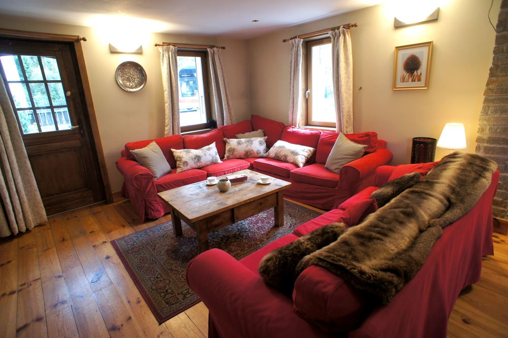 lounge final.jpg