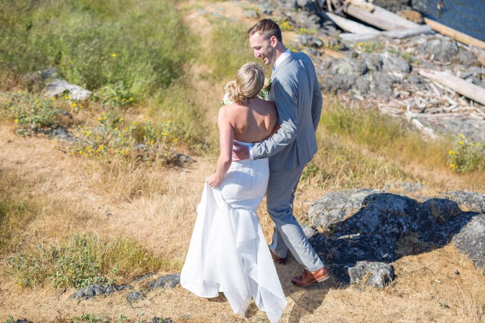 Tres Chic Bridal Boutique wedding Dress Victoria, BC