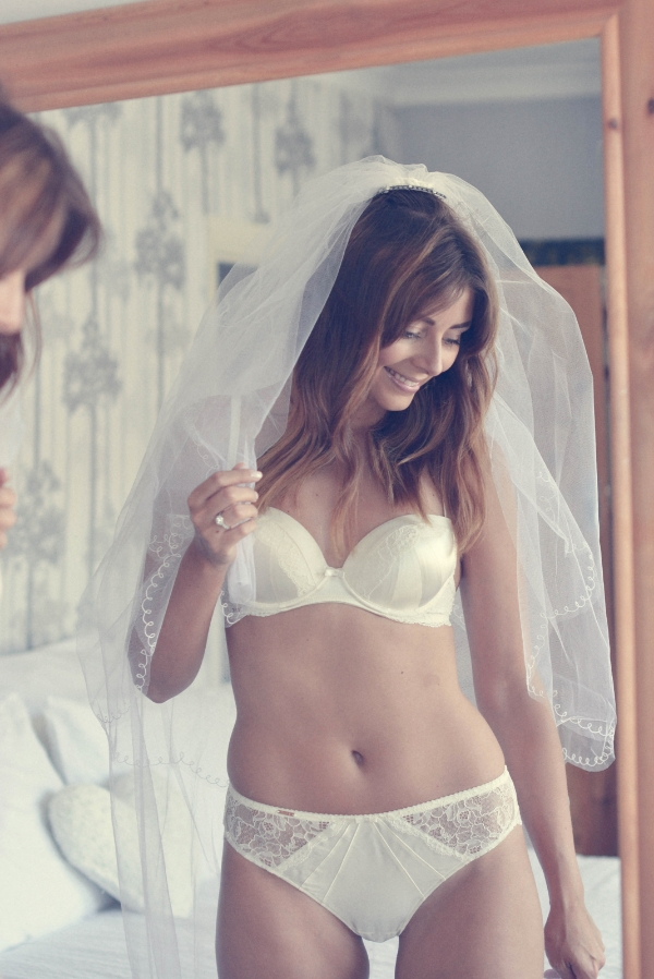 Buying a brand new white lingerie set is a must for all brides! They will make you feel sexy and will be a memorable keepsake.