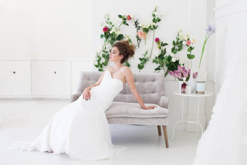 This day is all about the bride, and what's the most important thing a bride can have (besides her fiance) : her dress! Buying a new dress means you can have one that's exactly right for you!