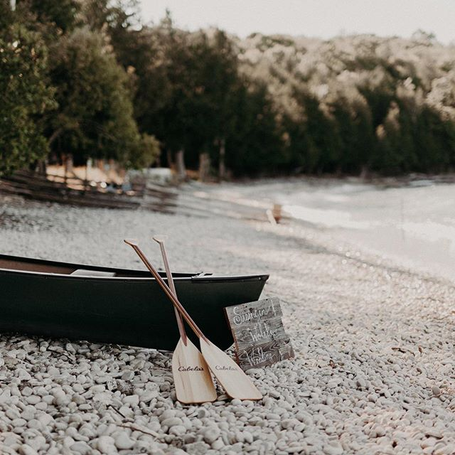 A week ago we were getting back from such a captivating and intimate elopement in Washington Island, Wisconsin. I seriously cannot wait to share it with you all // @lsisinger
